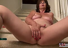 USAwives Great Mature Hairy Pussies with Toys