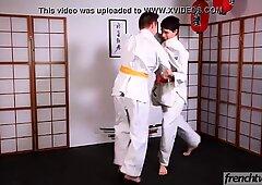2人の若い柔道家enzolemercier&amp_ timy detours fucking on the tatami