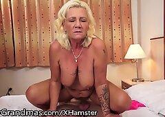 moms-xxx.com
