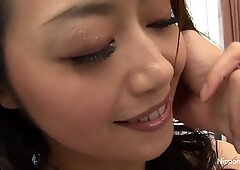Japanese babe gets her pussy fingered until she squirts