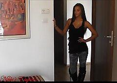 Princess Nikki Amirah Adara - Foot fetish